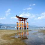 厳島神社の大鳥居って・・置いてあるだけ